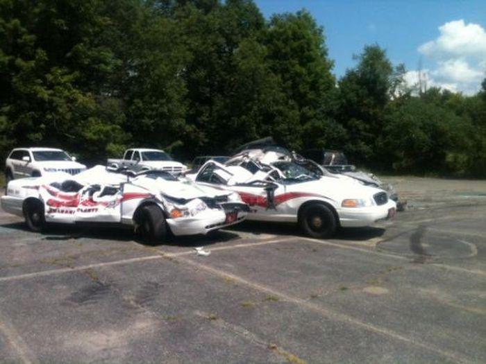 tractor_vs_7_police_cars_07