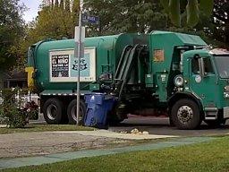 Zwykły dzień pracy operatora śmieciarki