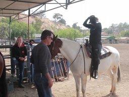 """""""Pozwól, że ci pomogę"""" - pomyślał koń"""