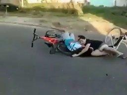 Kiedy odwalasz jakieś triki na rowerze