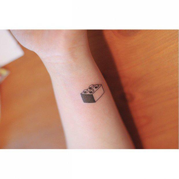 l_1459481490fa46cminimalist_tattoos_t.jpg