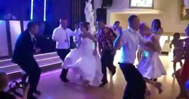 Ta para wybrała na wesele zupełnie inną muzykę, niż się spodziewacie