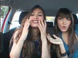 2 girls 1 car